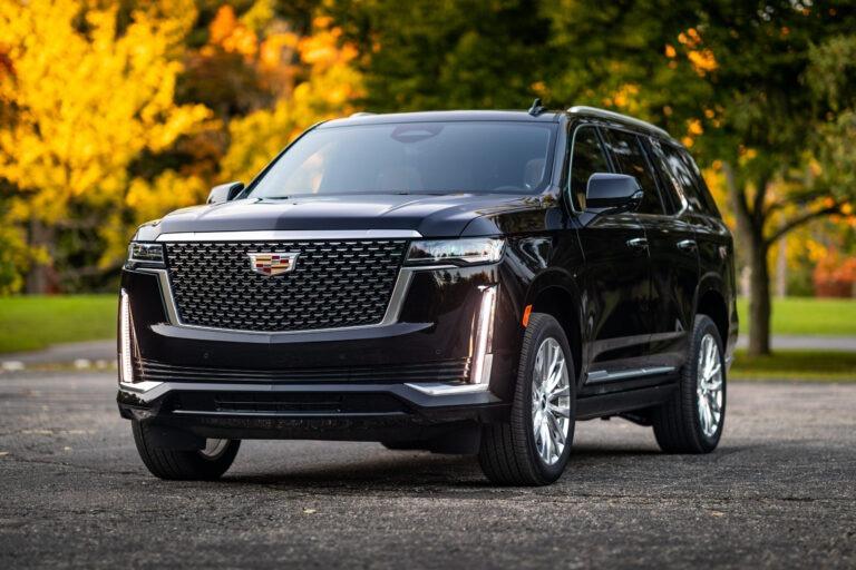 2023 Cadillac Escalade Vsport Photos